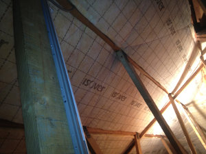 Voorbeelden van het aanbrengen van dak- en vloerisolatie